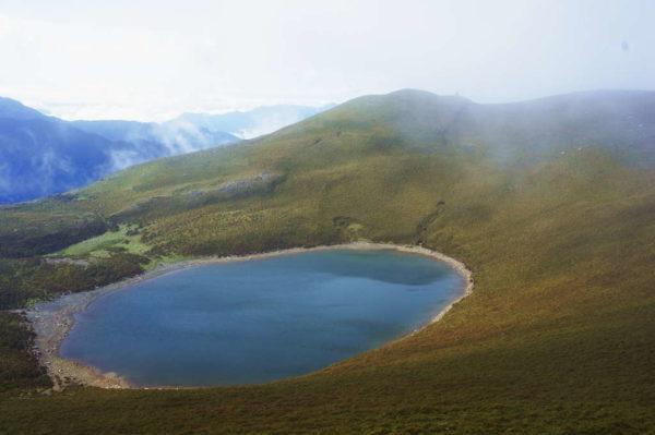 探訪水天一色的幽秘仙境,乳白色的湖泊的秘密?!