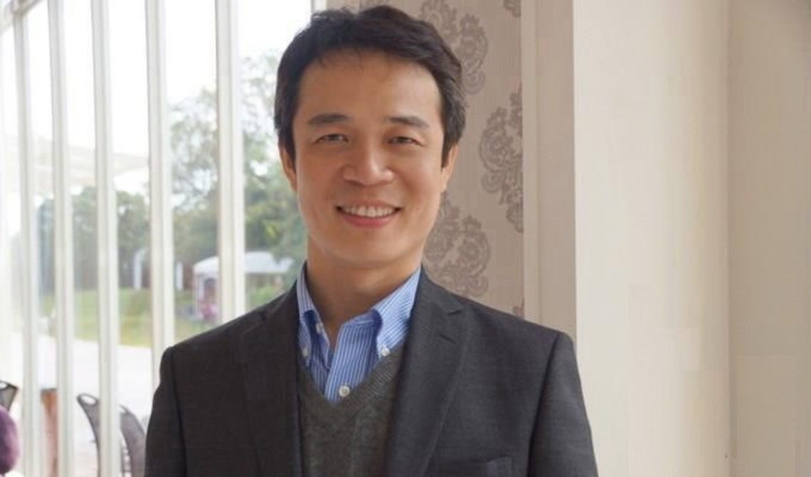 教育家部落格人物典範   中原大學老師李俊耀  成立電力節能志工隊,把教室搬進偏鄉