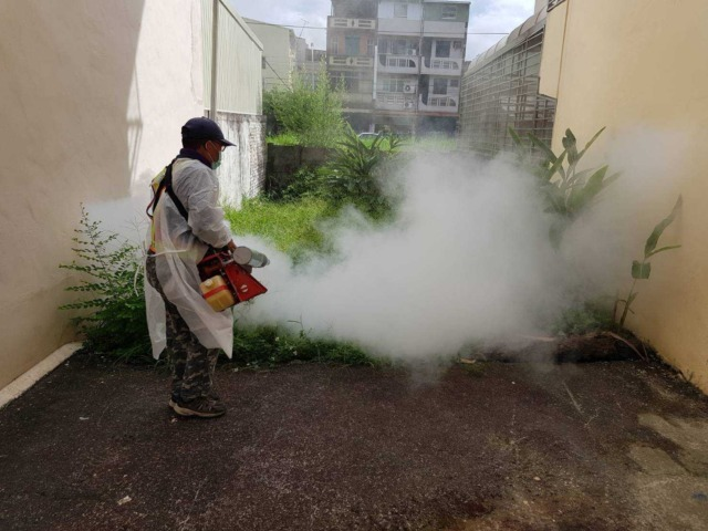 防疫不忘登革熱防治 避免蚊蟲玆生成髒亂死角