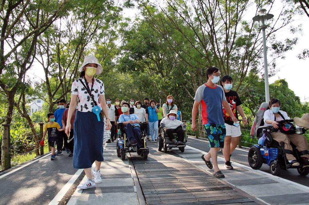 嘉義市體育會 享受嘉油鐵馬道綠蔭微風  身心障礙者親子體能健走越動越健康