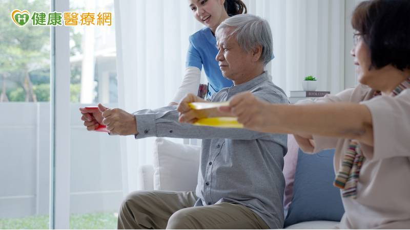 失能照顧負擔大! 「居家復能」服務加速恢復