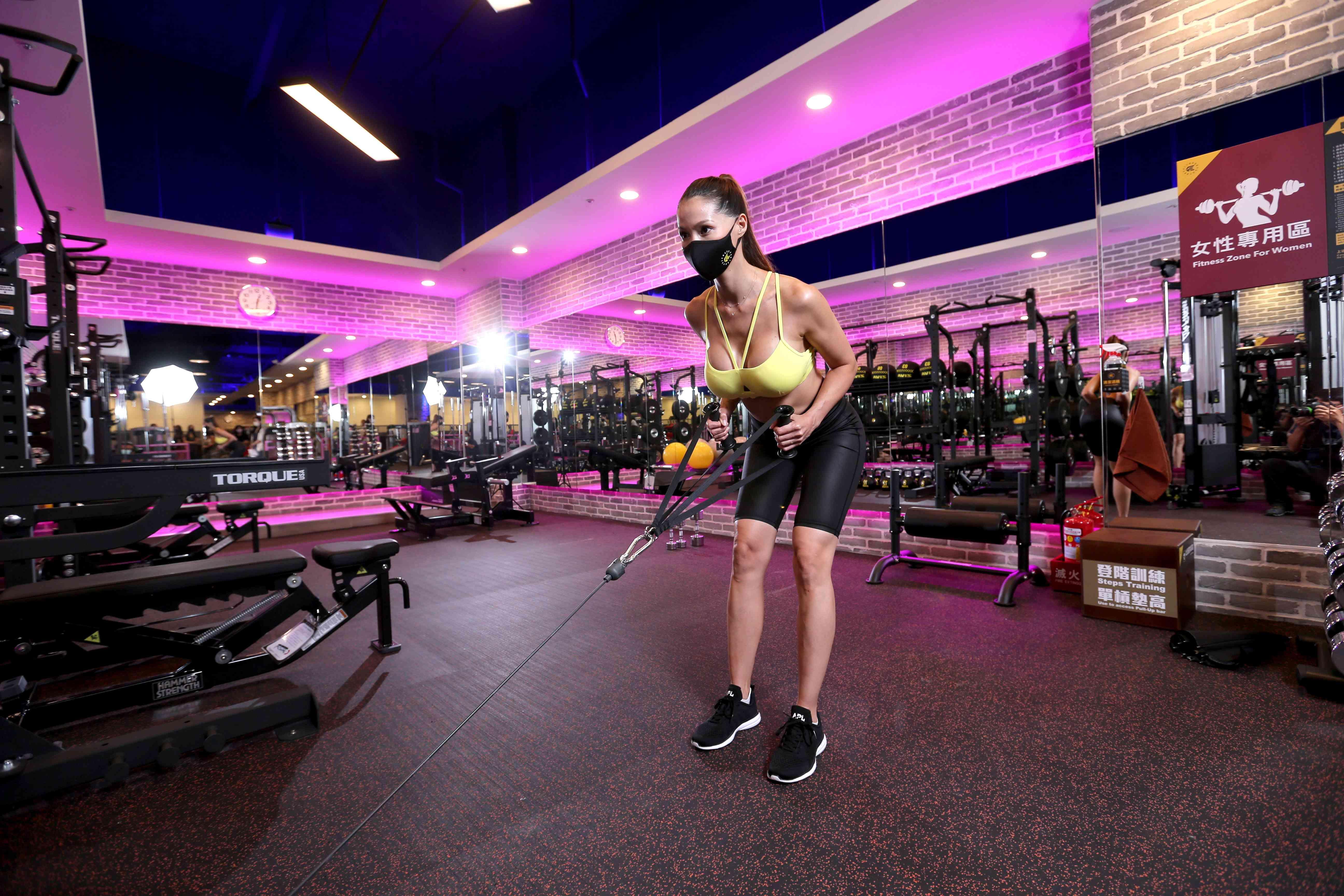 圖說:健身工廠為女性會員打造「女性運動專區」,挑選適合女性訓練的器材,期望帶給會員自在運動的美好體驗。
