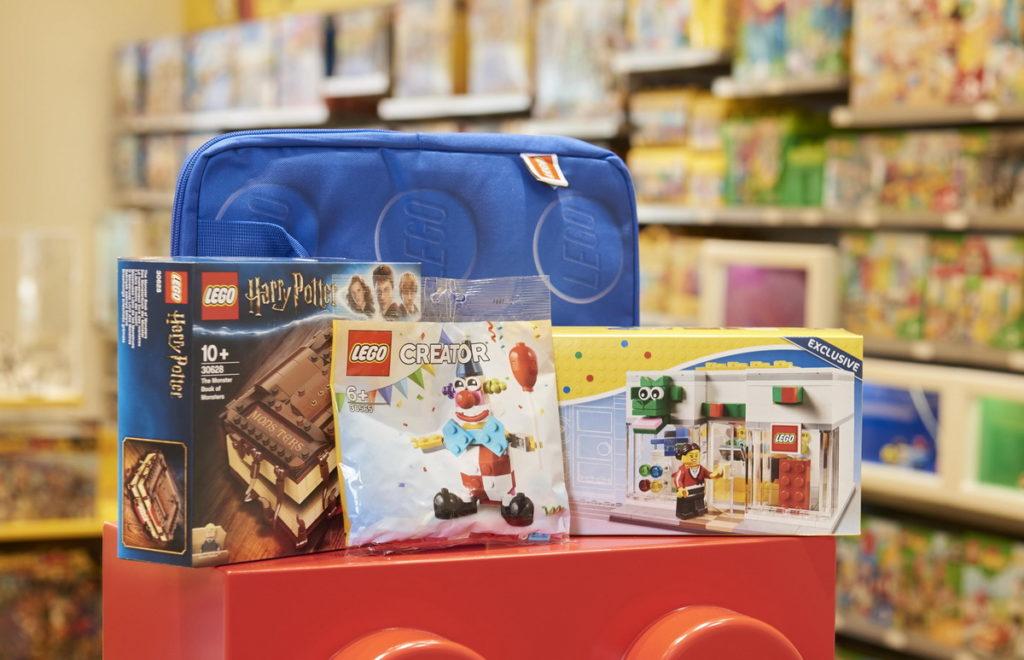 新竹樂高授權專賣店開幕提供豐富滿額贈品,包含消費滿$4,000即可贈樂高筆電包等優惠