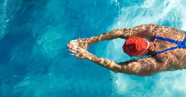 10 分鐘游泳前陸地熱身操  做完再下水!