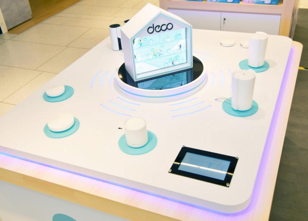 櫃位以Deco X90 Mesh Wi-Fi 連網為核心,更強大的Wi-Fi訊號打造智慧家庭情境體驗區,實現整個家庭的無縫覆蓋。