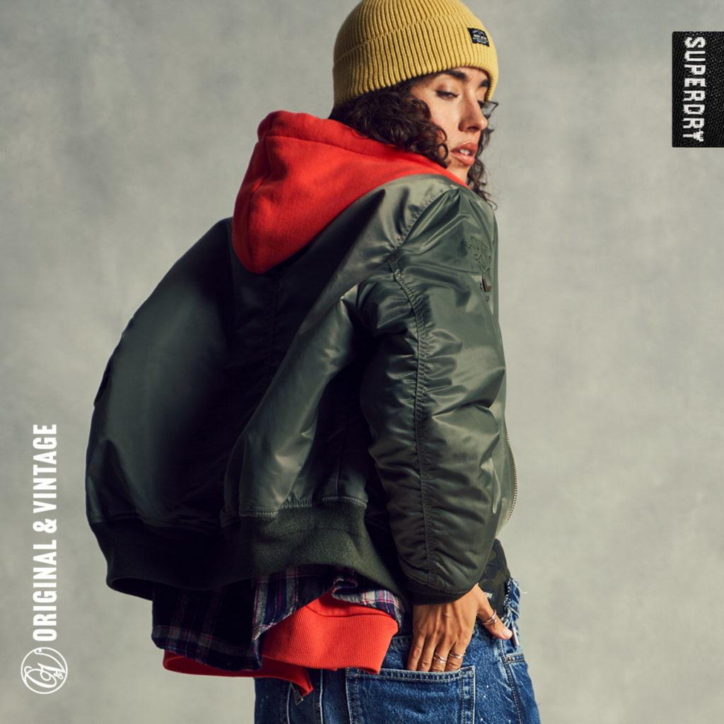 SUPERDRY冒險魂帽T堅持保有品牌極佳的穿著舒適度與硬挺的版型,是它讓人愛不釋手的最強優勢!