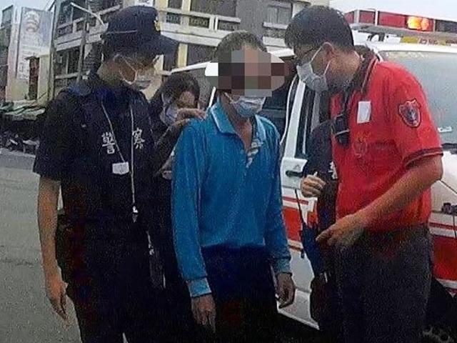大熱天外出中暑 北鎮警援助男子護就醫