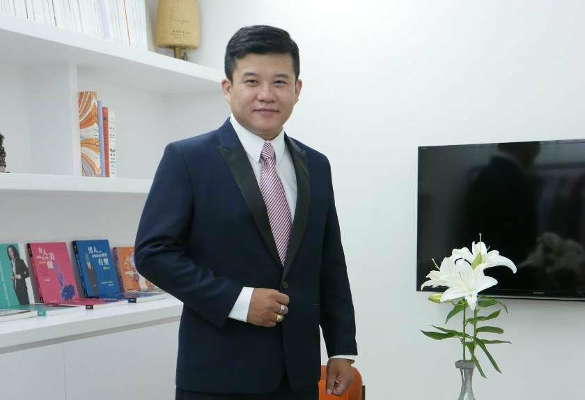 連續3年榮獲台灣最佳財務策劃師,跨國跨境財務專家蘇裕豐