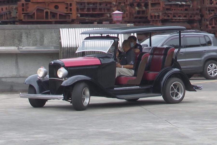 林智堅參訪骨董車復刻王  期盼古董車嘉年華共推觀光